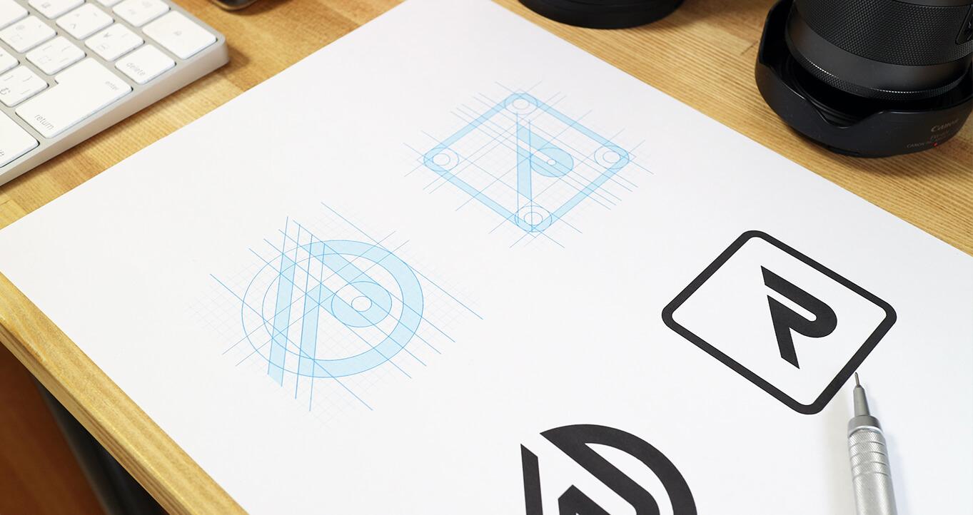 フォントベースのロゴ制作方法について